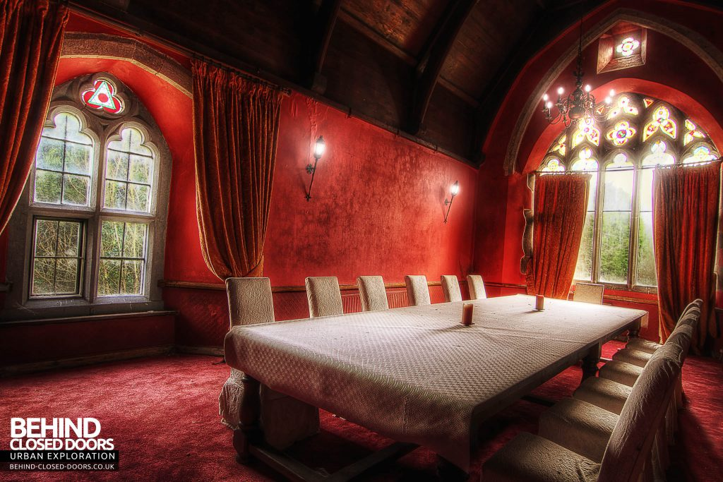 The Old Rectory - Luxuriance in Red