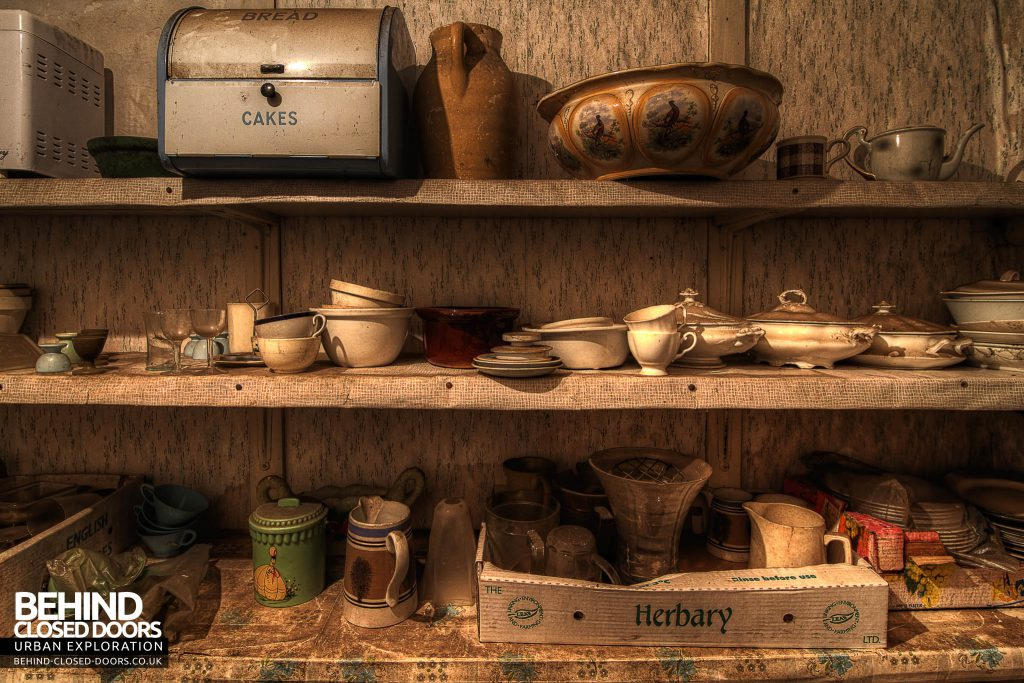 The Sewing House - Kitchen Shelves