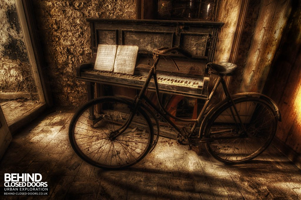 The Sewing House - Piano and Bike