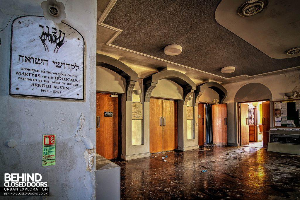 Greenbank Synagogue - Entrance hall