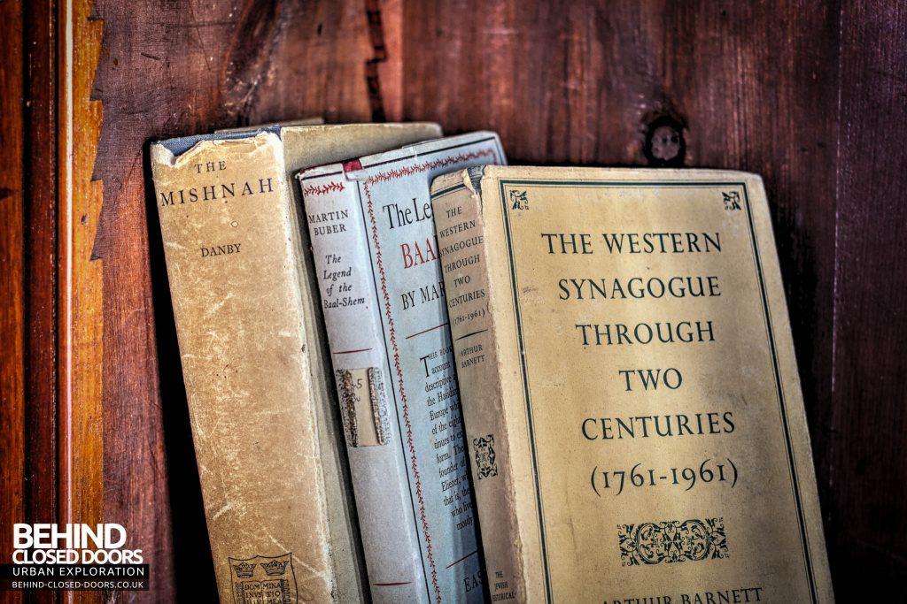 Greenbank Synagogue - History of the Synagogue books