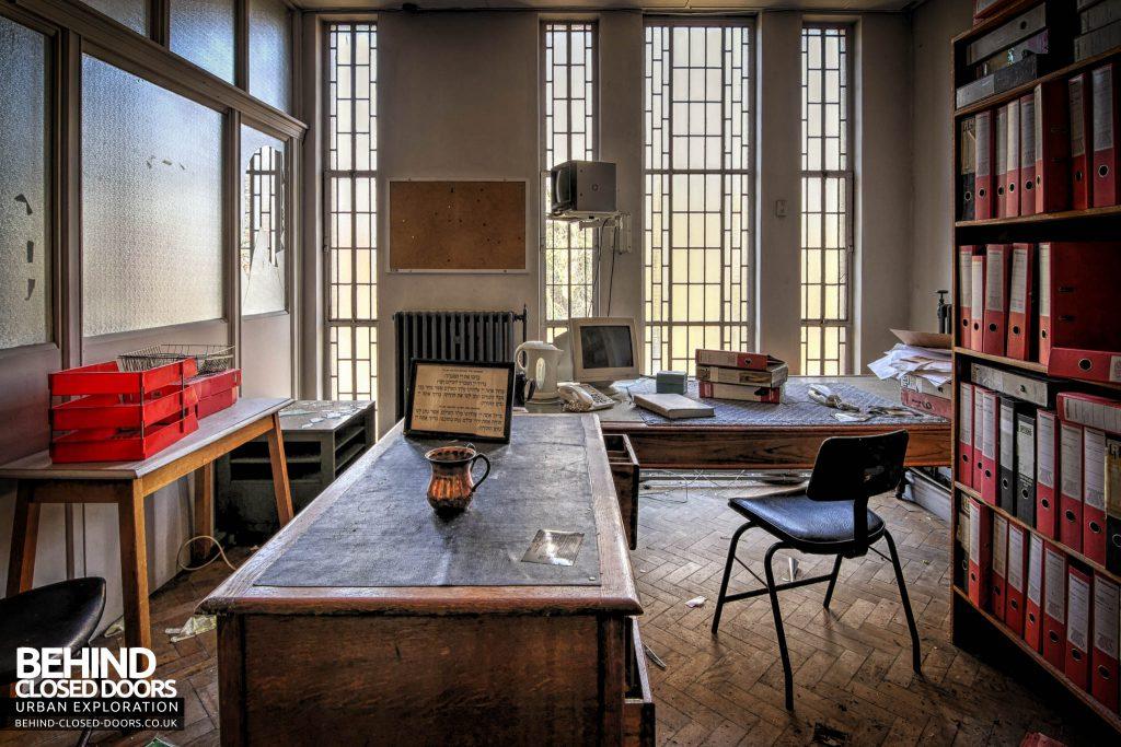 Greenbank Synagogue - The Rabbi's office