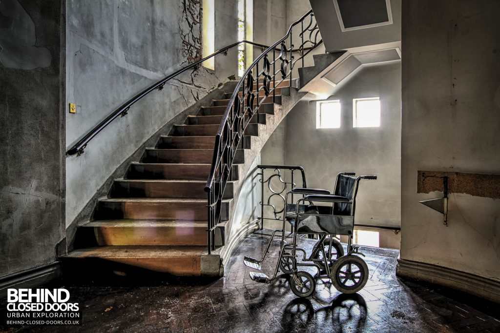 Greenbank Synagogue - Wheelchair by the stairs