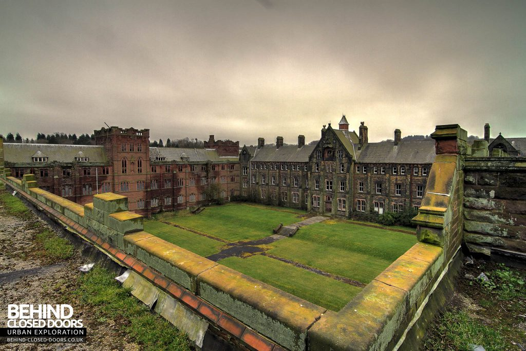 St Joseph's Seminary Upholland - Enclosed courtyard