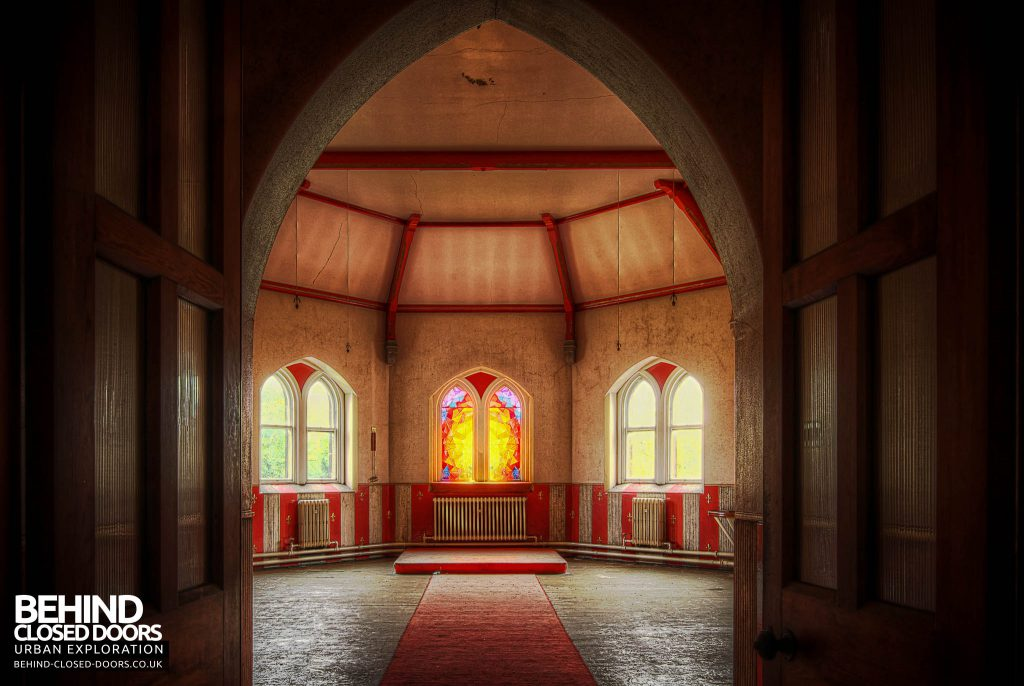 St Joseph's Seminary Upholland - Red chapel through the doors