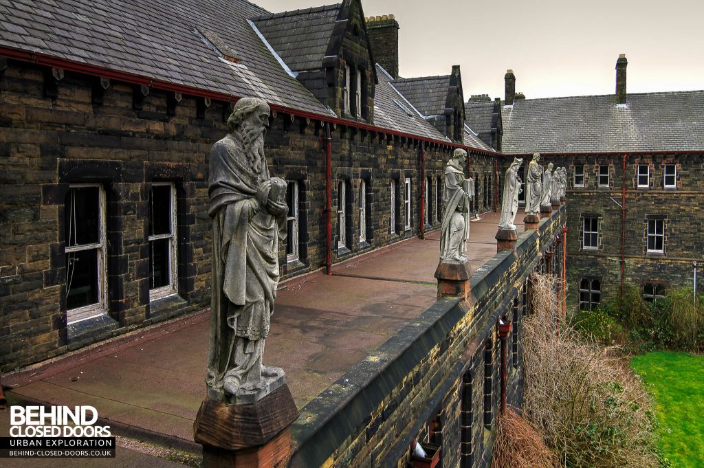 St Joseph's Seminary Upholland - The statues
