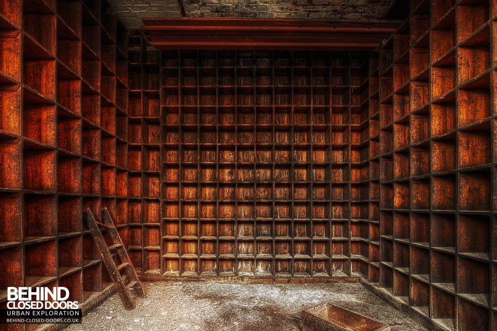 George Barnsley & Sons Cornish Works - Compartments