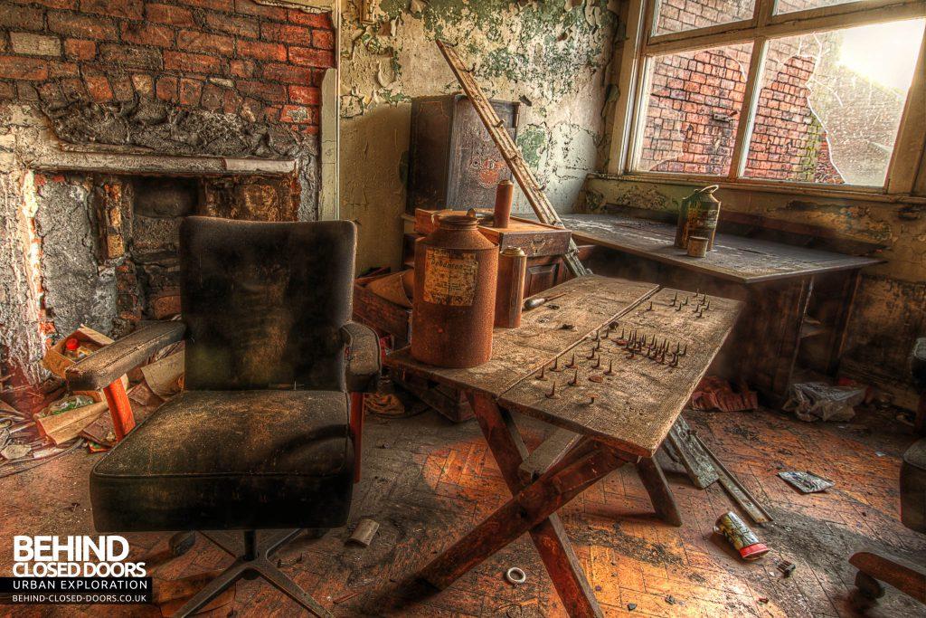George Barnsley & Sons Cornish Works - Decaying Room