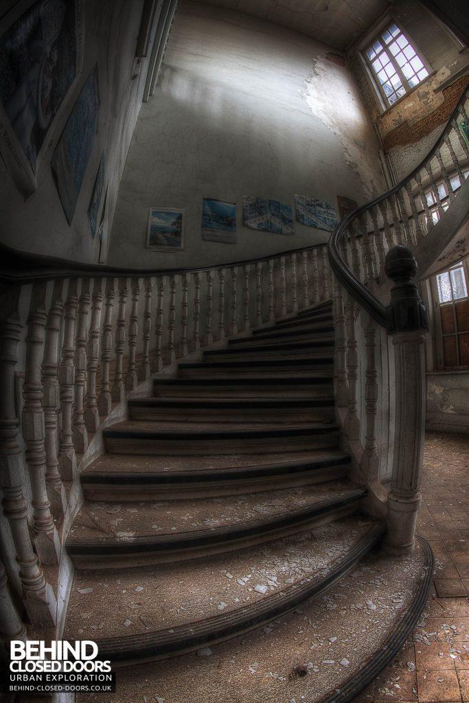 L'école FMP Scool France - Staircase