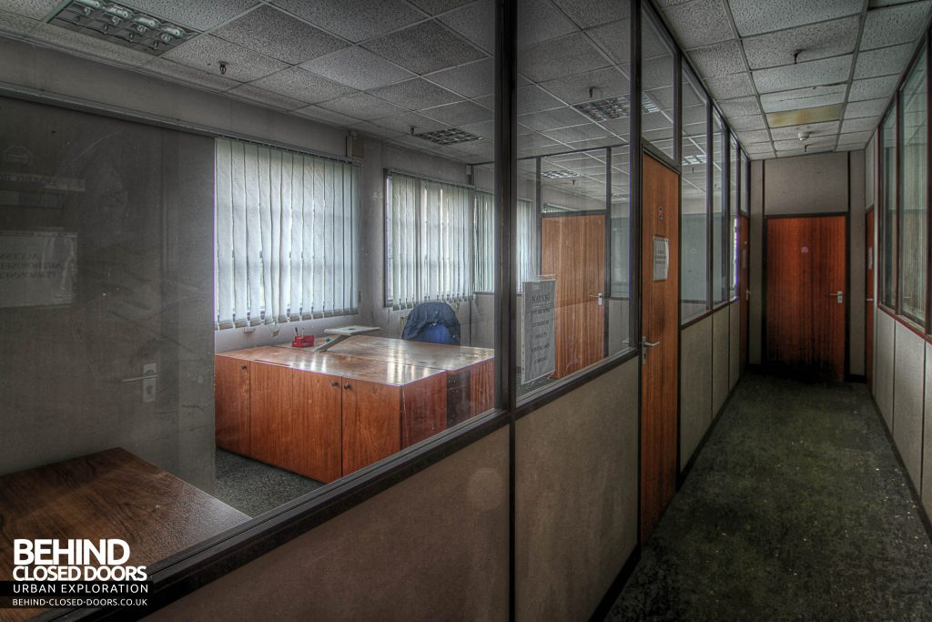 Sanyo Electronics Factory - Offices