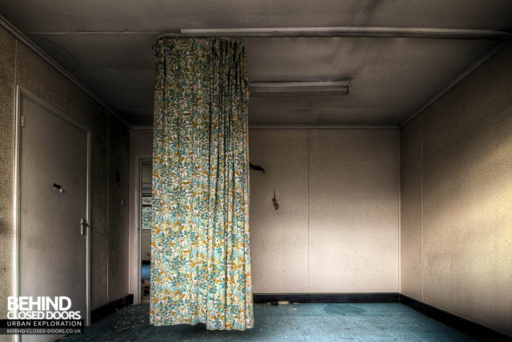 Cambridge Military Hospital - Curtain