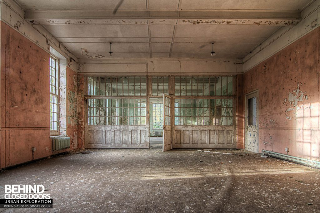 Severalls Hospital - Pink and Glass Room