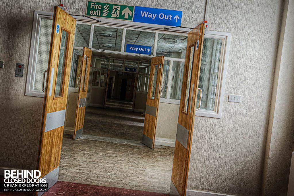 Shelton Asylum - Doors down corridor