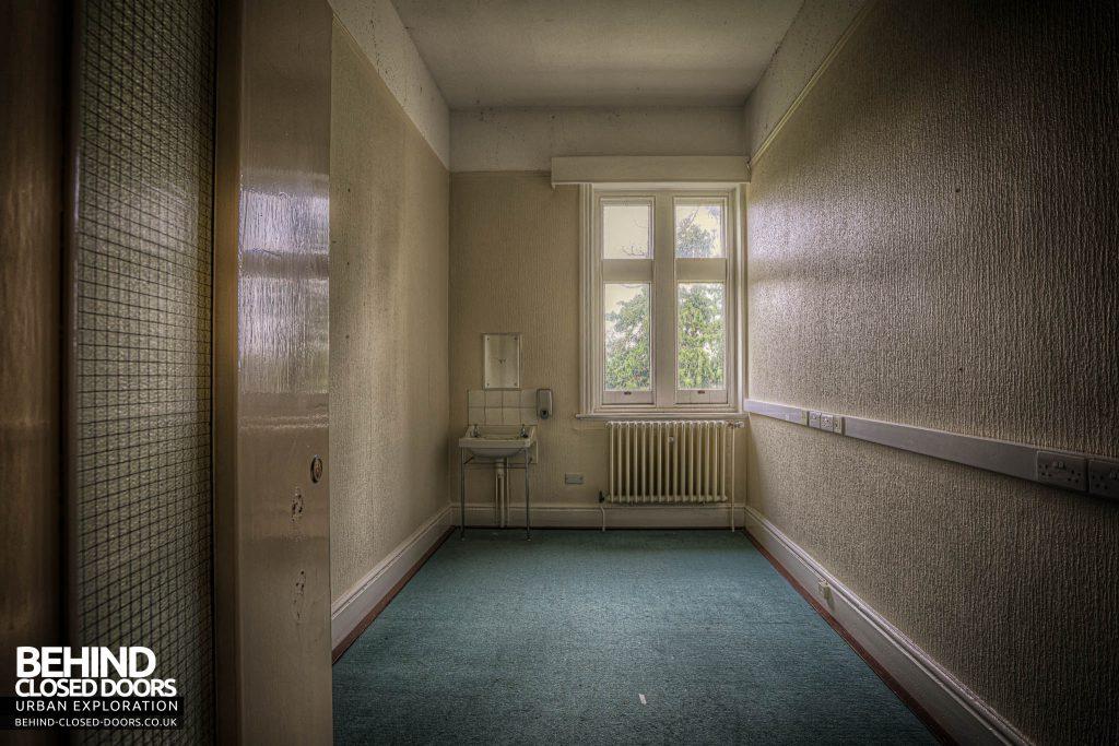 Shelton Asylum - A typical patient room
