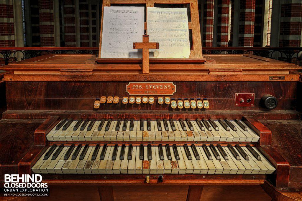 Monastery Mont G - Organ