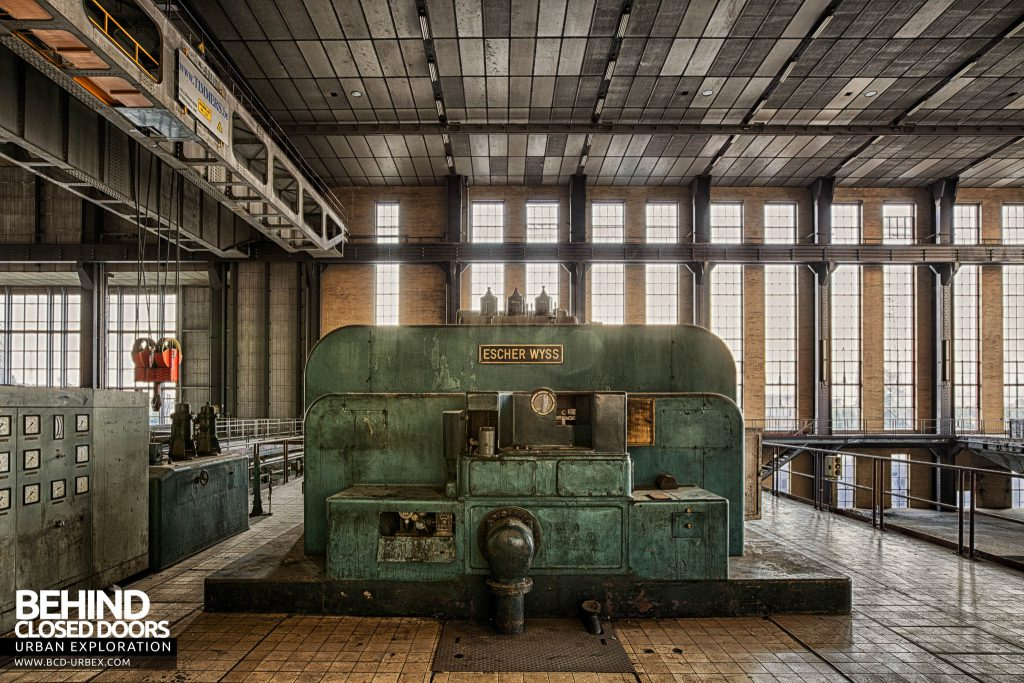 Ruien Power Plant - Escher Wyss turbine square on view