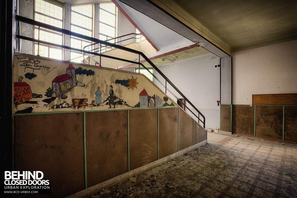 Pensionnat Catholique - Mural on staircase