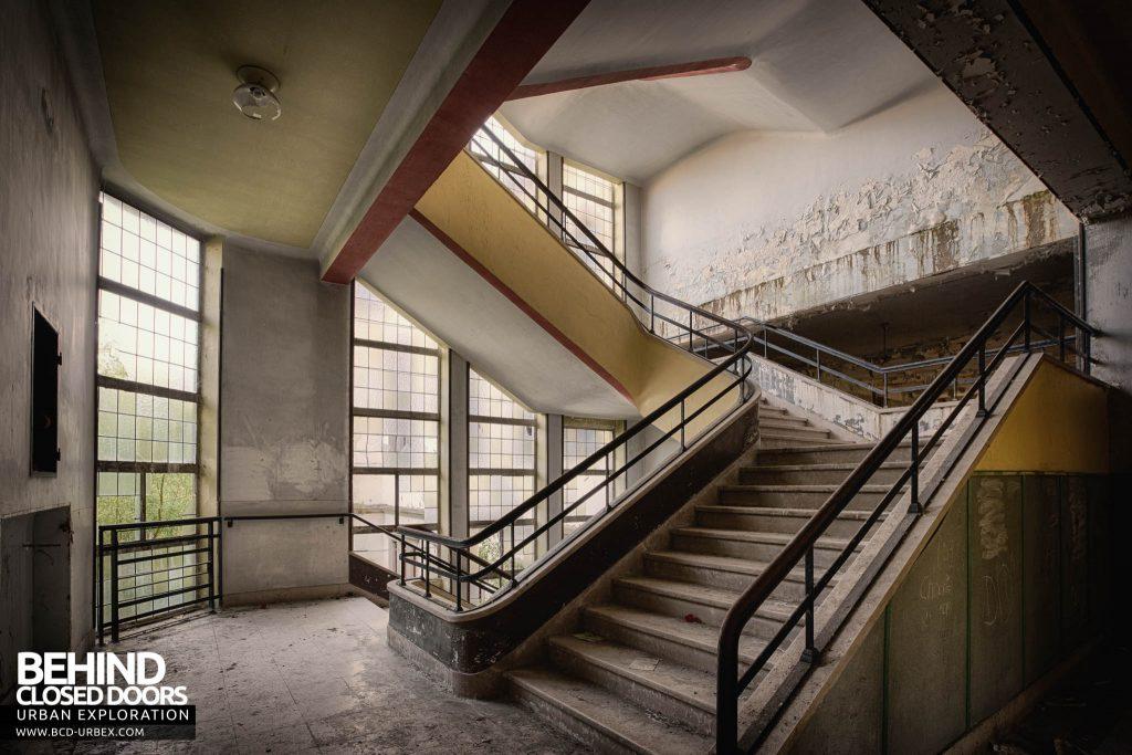 Pensionnat Catholique - Staircase