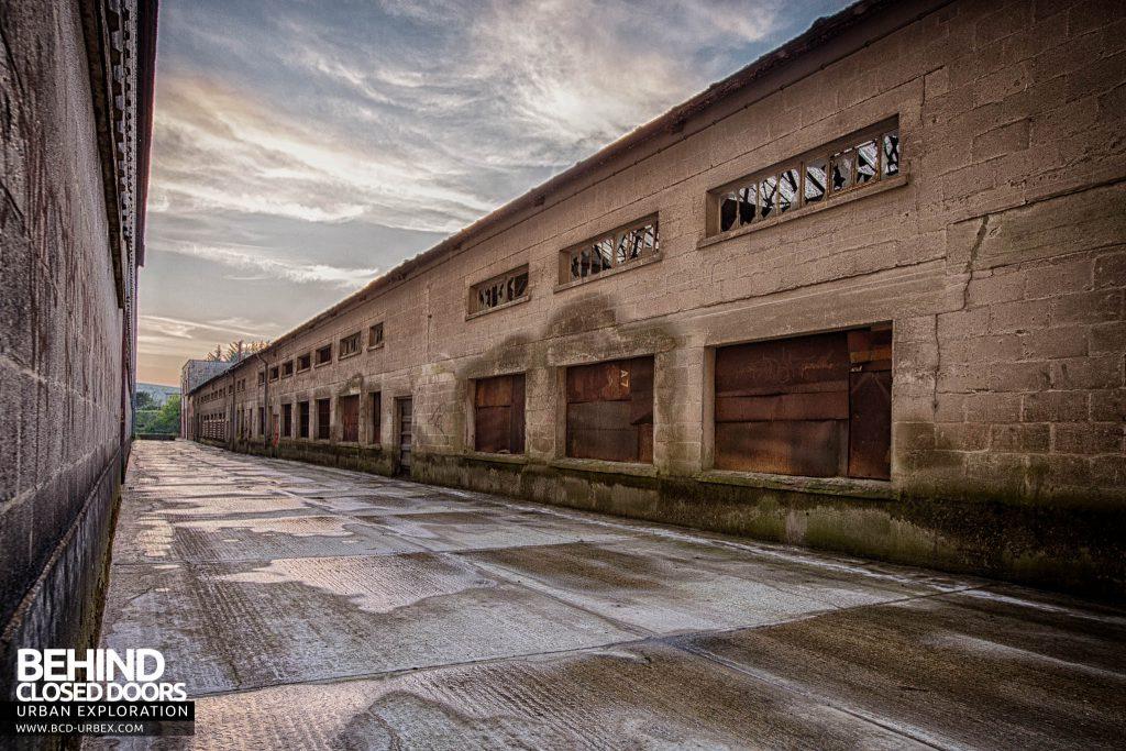 Shoreham Cement Works - Central avenue next to main building