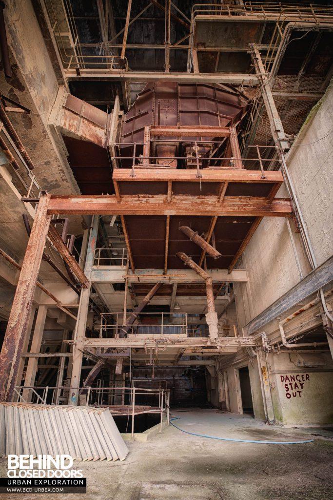 Shoreham Cement Works - Machinery inside