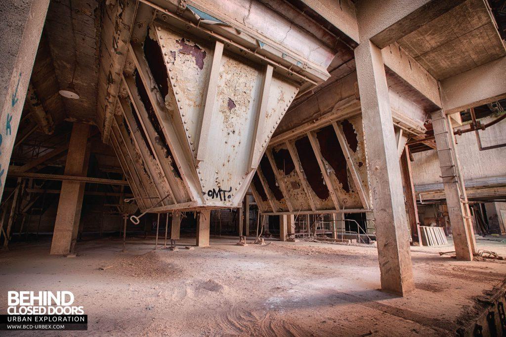 Shoreham Cement Works - The underbelly