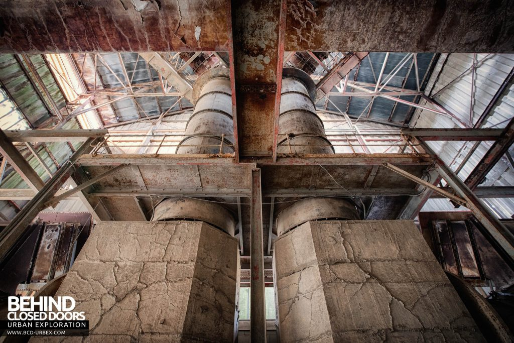 Shoreham Cement Works - Feed into the kilns