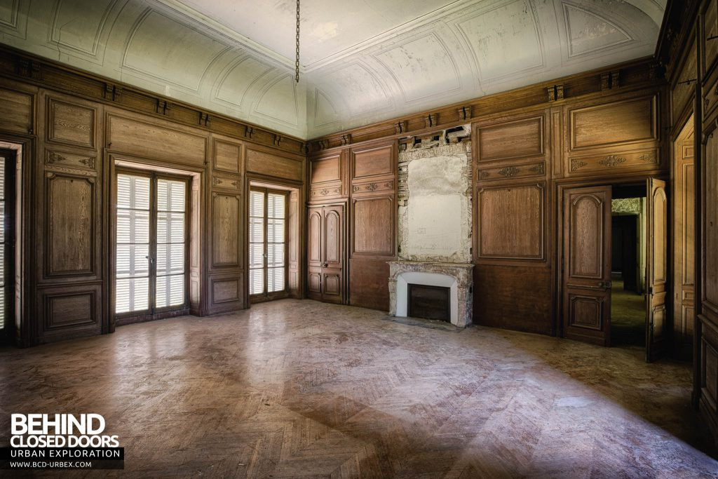 Château-du Cavalier - Wood panel room