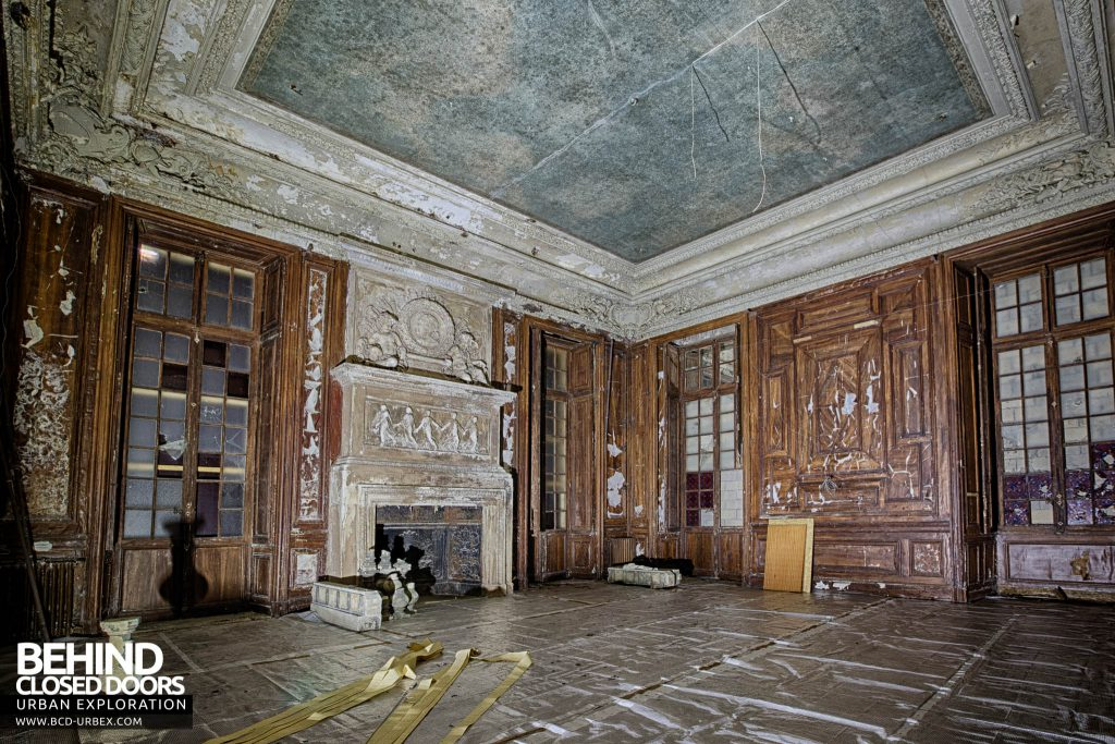 Chateau de Carnelle - A room beginning it's restoration