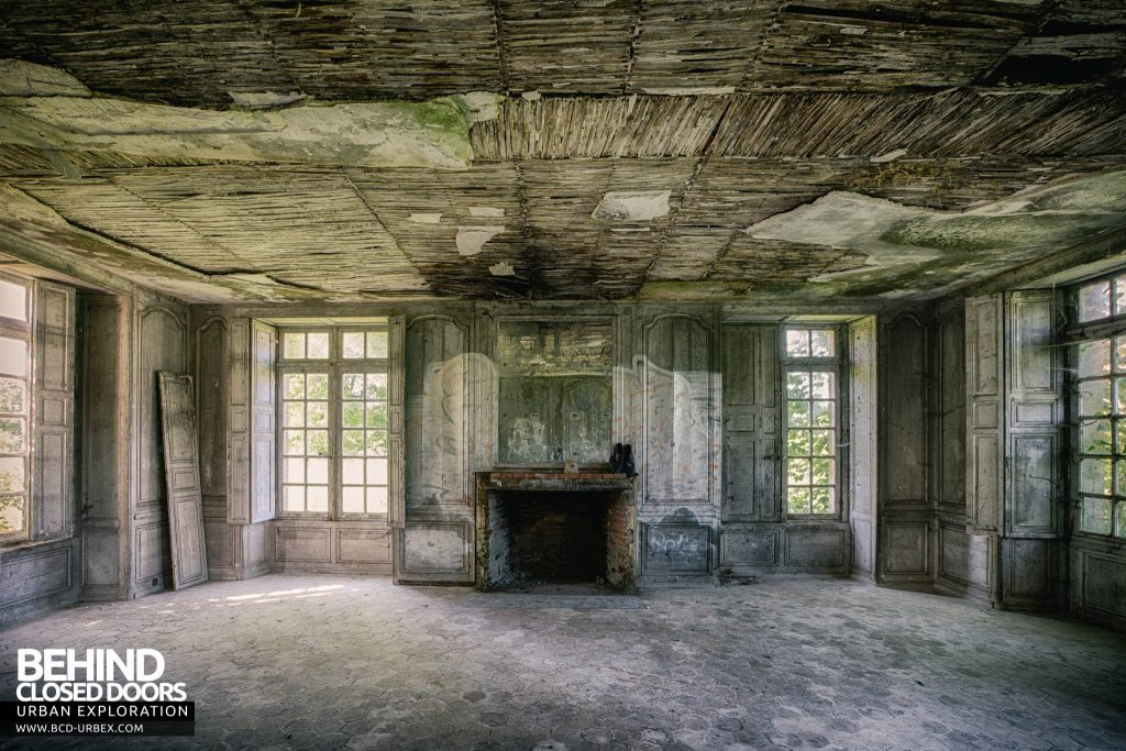 Château de Singes - This would once have been a grand room