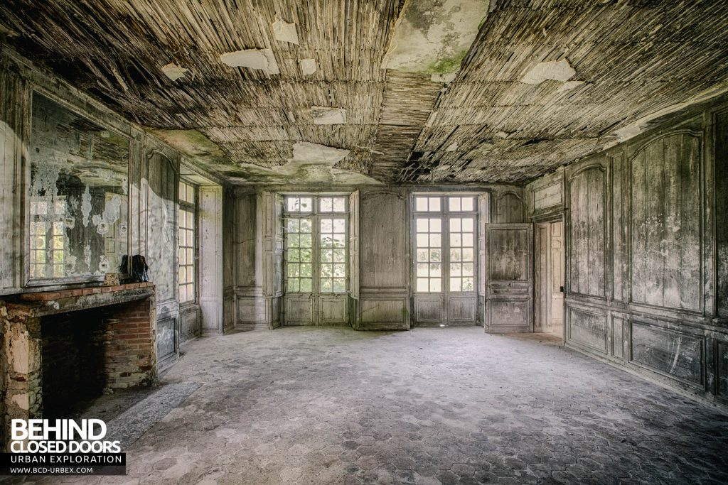 Château de Singes - Some rooms are falling into decay