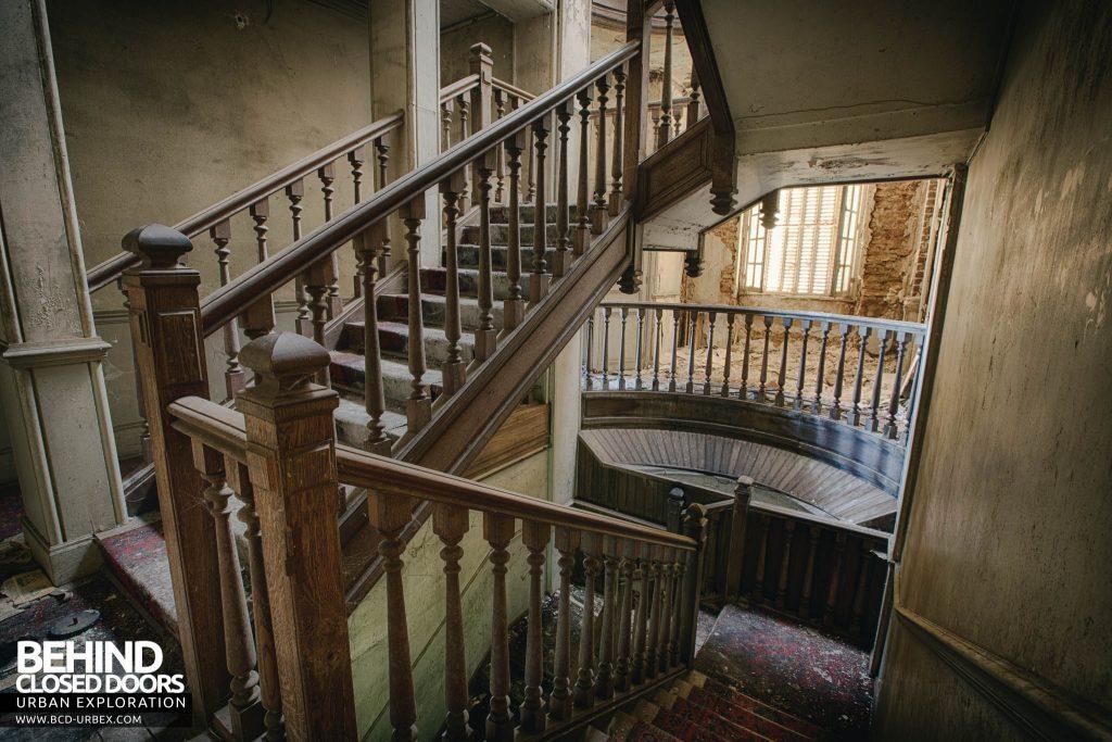 Château des Faisans - Looking down the main staircase