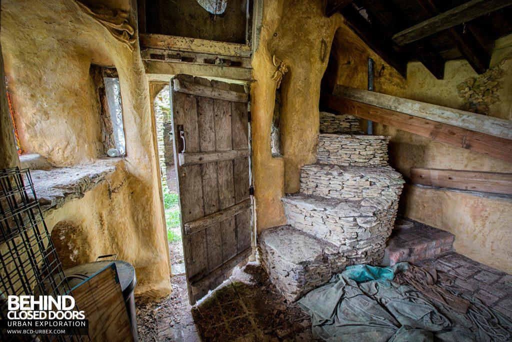 The Hobbit House aka Colin's Barn - Inside the front door with steps to next level