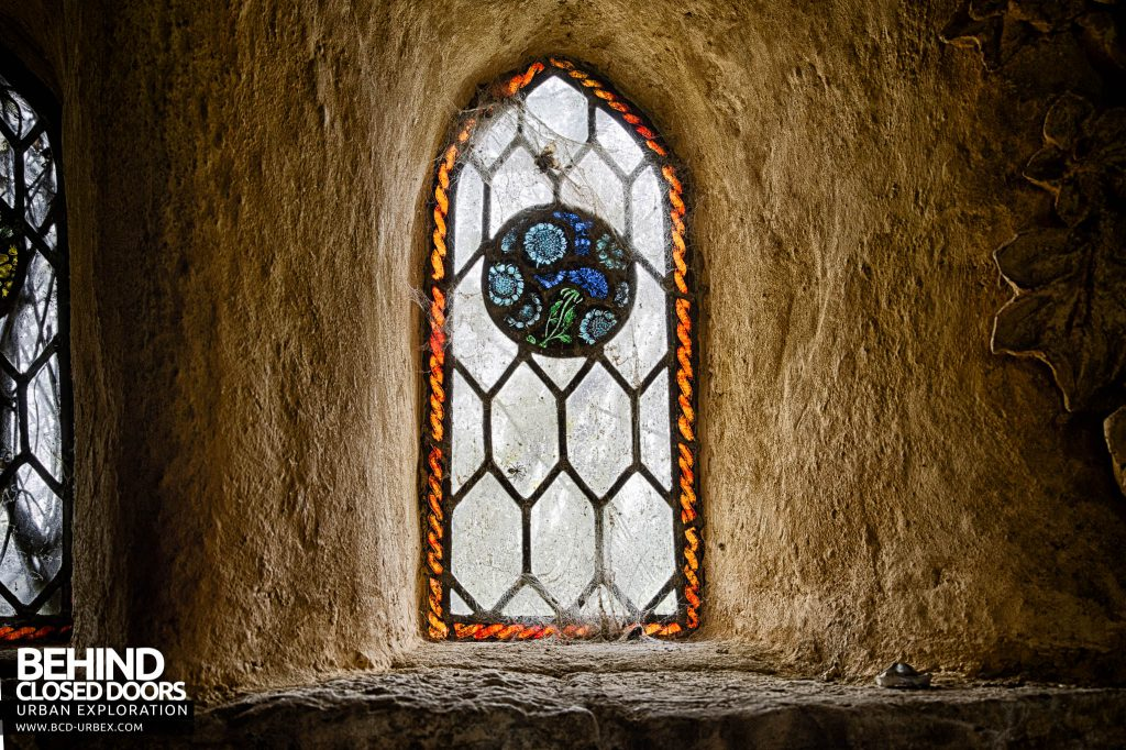 The Hobbit House aka Colin's Barn - Stained glass window detail