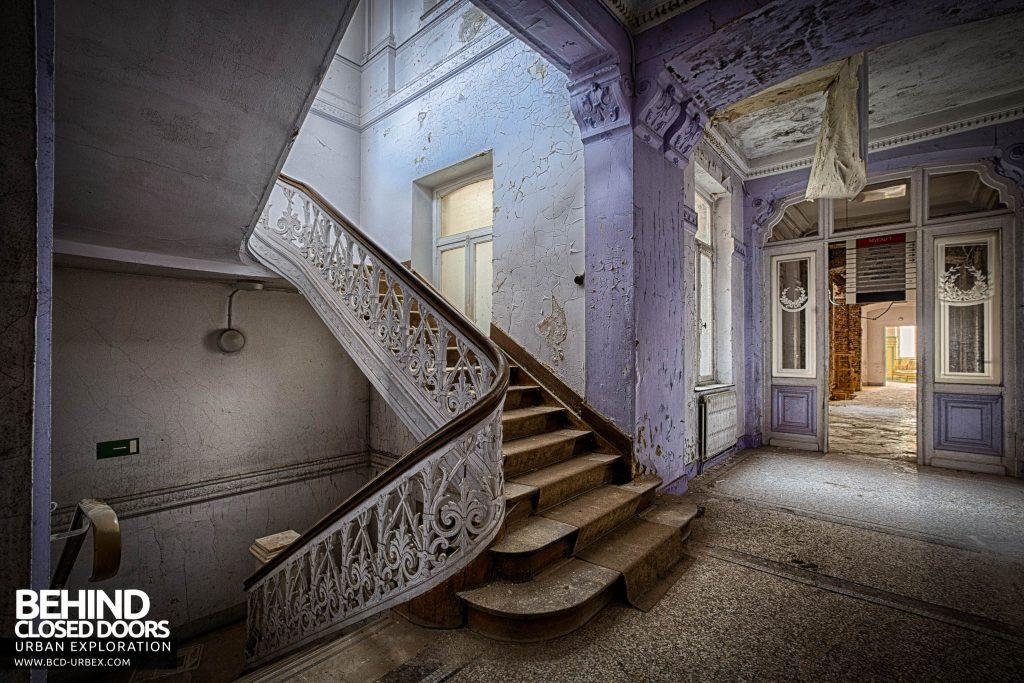 Alla Italia, Belgium - Another staircase and corridor