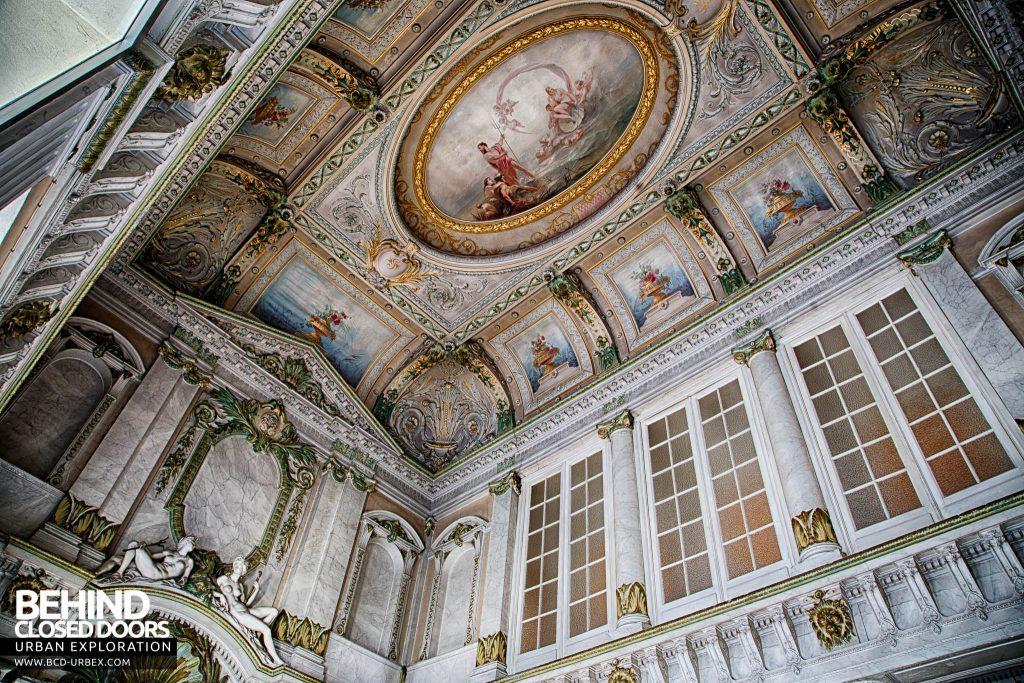 Alla Italia, Belgium - Looking up at the stunning detailing