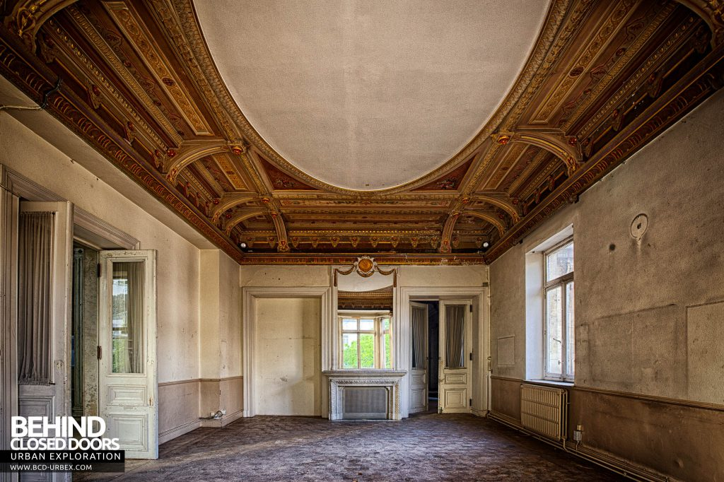 Alla Italia, Belgium - Other rooms are ornate but not as lavish as the entrance hall