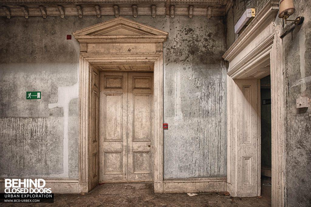 Crookham Court - Door detail