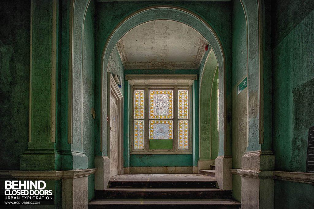 Crookham Court - Green corridor