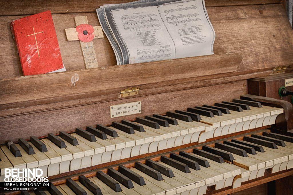 Crookham Court - Organ keys detail