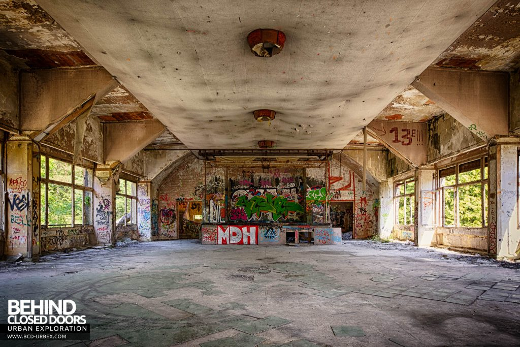 Sanatorium d'Aincourt - Exercise hall