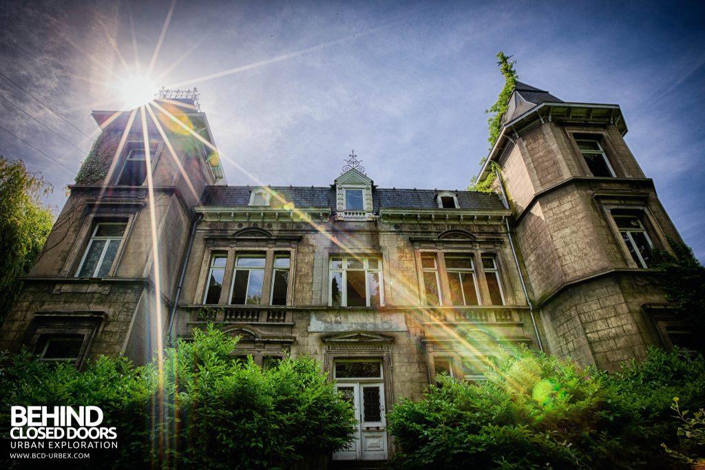 Chateau D'Ah - External with sunburst
