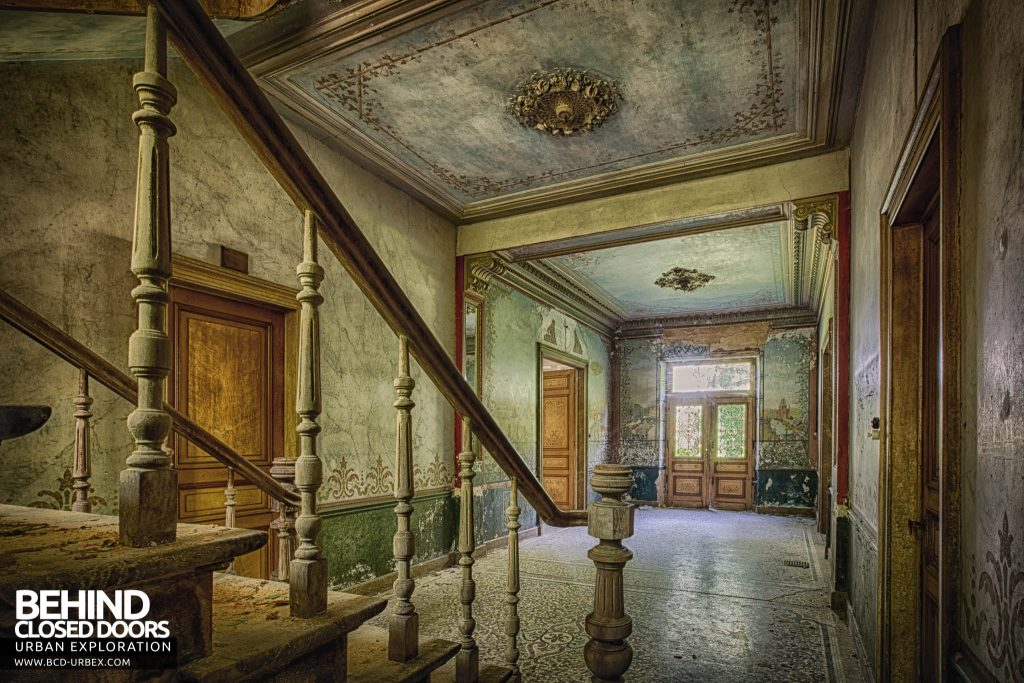 Chateau D'Ah - View from next to staircase