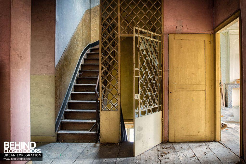 Chateau de la Chapelle - Staircase up to attic