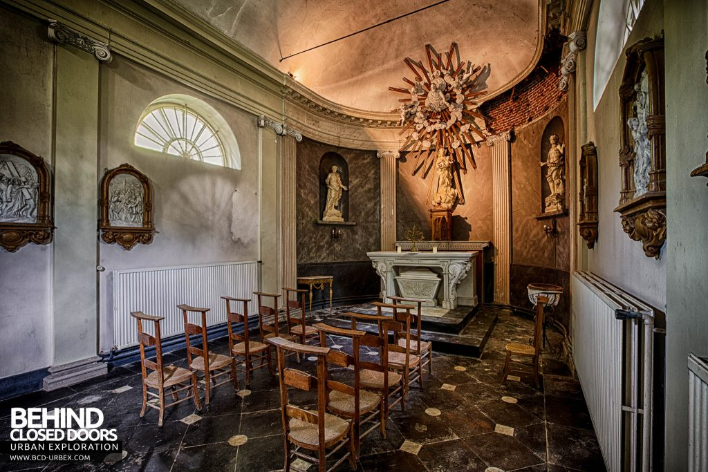 Chateau de la Chapelle - Lights still work inside the chapel