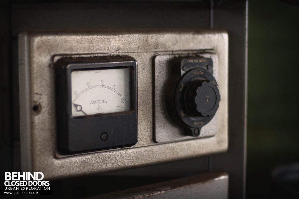 Globe Worsted Mills - Amp meter