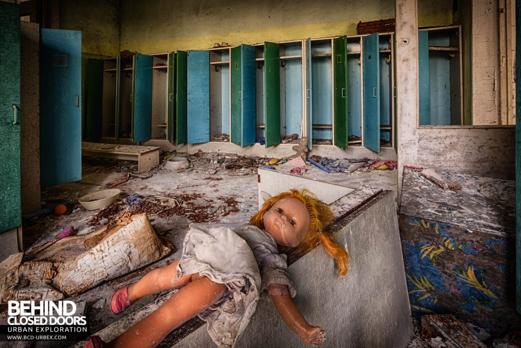 Pripyat Schools and Nurseries - Doll in front of little lockers