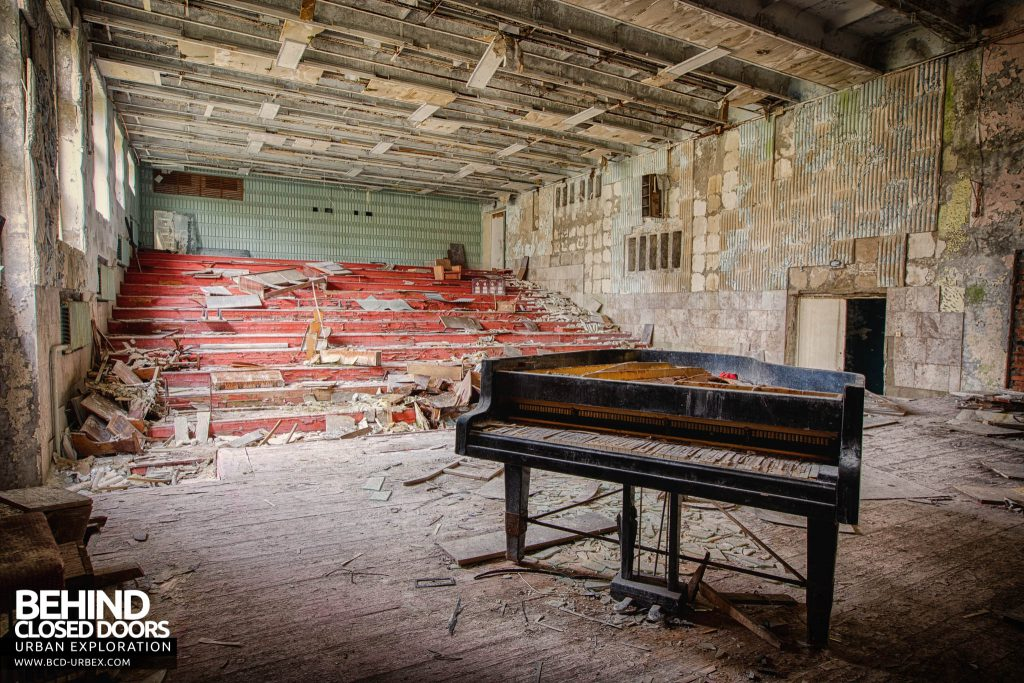 Pripyat Schools and Nurseries - Grand piano on a stage in the music school