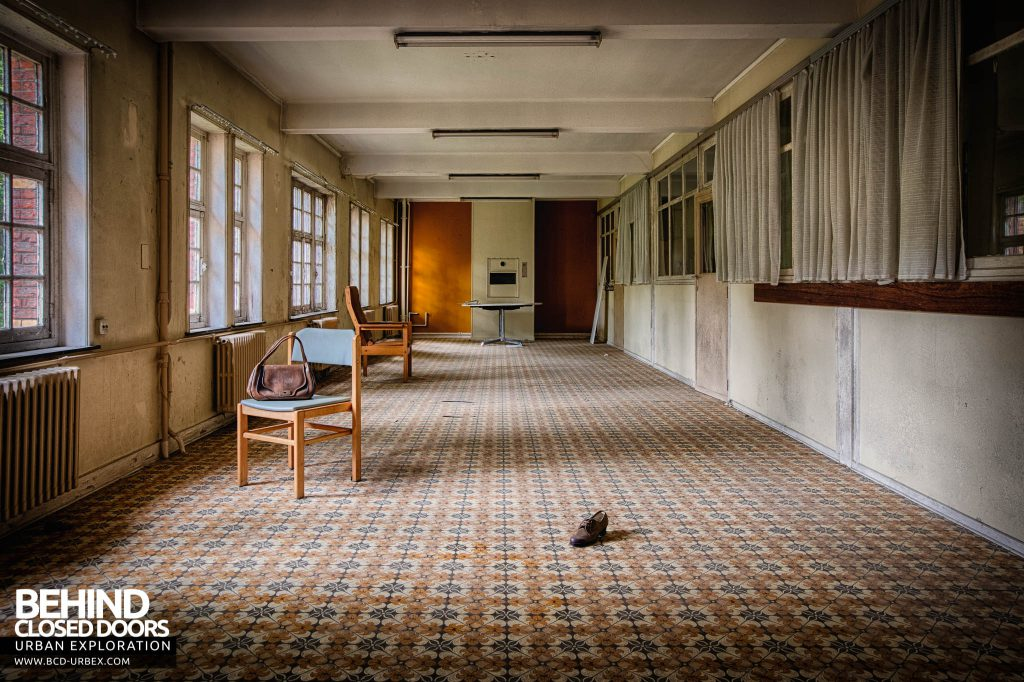 Salve Mater Psychiatric Hospital - Long room with an interesting patterned floor