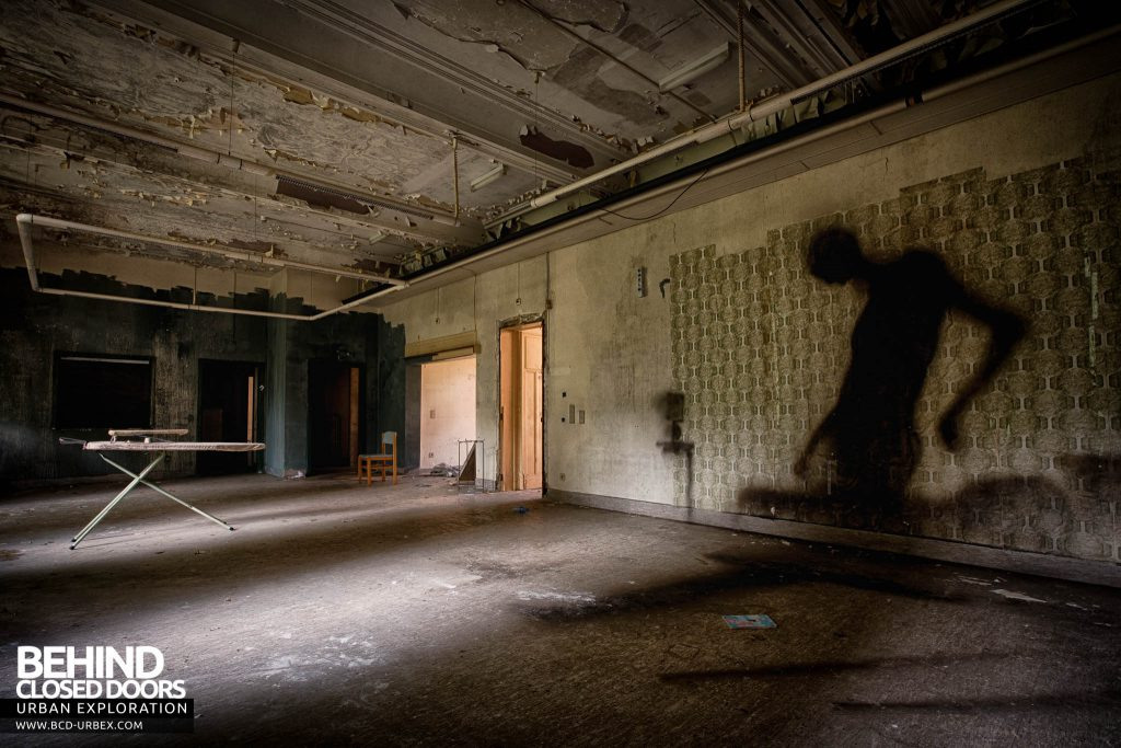 Salve Mater Psychiatric Hospital - Lurking in the shadows