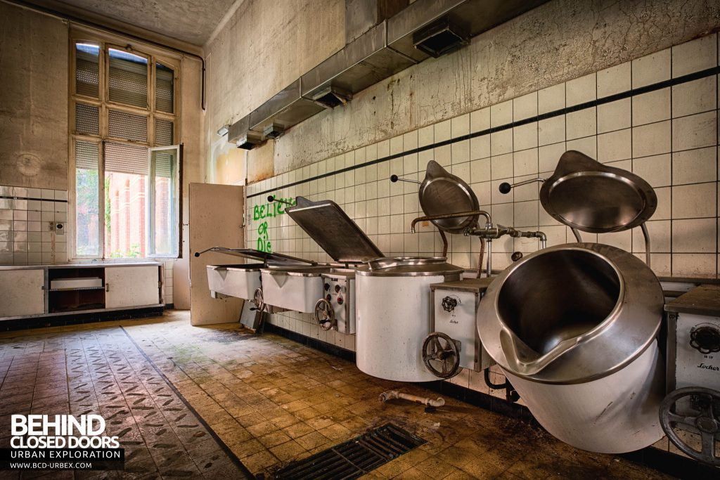 Salve Mater Psychiatric Hospital - Vessels in the laundry room